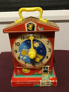 Vintage Fisher Price 998 WIND-UP MUSICAL TEACHING CLOCK - Works well - pre-owned