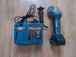 Makita DGA452RMJ LXT 18V with 3.0AH baterry 115m Angle Grinder very good working