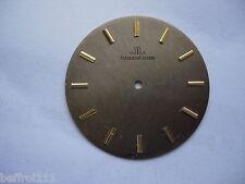 Cadran gris métal brossé de montre ancienne Jaeger LeCoultre vintage dial