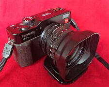 Panasonic DMC-LC1 with Leica Summicron Lens. The Classic sister of the Digilux 2