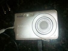 Nikon COOLPIX S202 8.0 MP Digital Camera - Silver *** for parts or repair