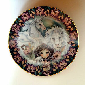 RECO Collector Plate Porcelain Collectible Guardians of Kingdom Unicorn Series 8