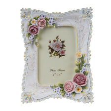 Europe Retro Style Photo Frame Resin With 3D Followers And Sculpture Decoration