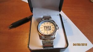 NFL New York Giants Game Time Men's Silver  Watch Football Logo NEW IN BOX