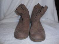 120A/3 S.Oliver Stiefelette Boots Veloursleder  Gr. 40 sand beige Damenschuhe