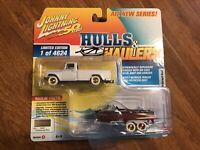 Johnny Lightning Hulls & Haulers WHITE CHASE 1965 International 1200 w/Boat