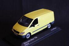 Minichamps Mercedes-Benz Vito 2003 1:43 Mellitgelb (JS)