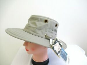 The Tilley Hat - Authentic, great condition, Khaki 7 & 1/4 New With Tags