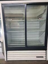 True brand standing glass door refrigerator case, 3 shelf, sliding door