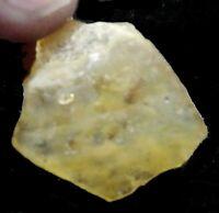 2,1 grs ambar amarillo en bruto con insectos, de MADAGASCAR