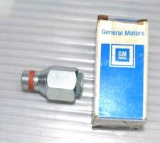 CHEVROLET GMC PICKUP VAN OIL LINE COOLER FITTING & Retainer NOS GM