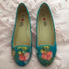 LIKE NEW: Women's I LOVE BILLY Bacchus Aqua Chinese Satin Shoes Size 36