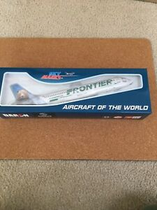 Skymarks SKR806 Frontier Airlines Airbus A320 Desk Display 1/150 Model Airplane
