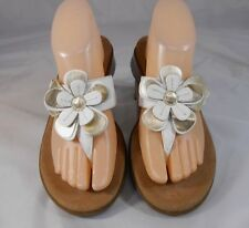 Aerosoles FIRST PLACE Womens Flip Flops Sz 8.5 M Leather Flower Wedge White Gold