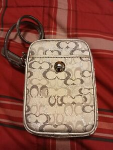 COACH Signature silver Cell Phone Wristlet Wallet Patent Leather Trim