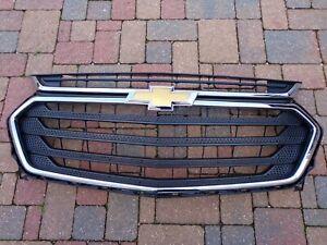 2018 -2020  Chevrolet Traverse Front Bumper Upper Grille 84344484 OEM Grille LS