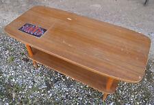 Ancienne table basse vintage design 20ème avec carreau faience style Vallauris