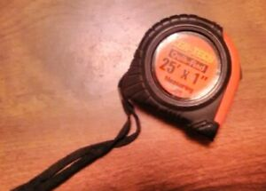 "Cen-Tech 25ft. x 1"" Measuring Tape Quik-Find Tool"