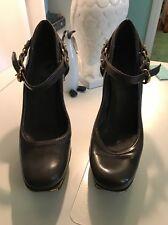 Women's Size 39 Gucci Grey Heels