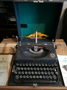 Imperial The Good Companion Model T Typewriter Vintage Antique