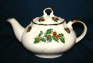 Rosina Queens Yuletide Teapot