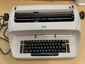 IBM Selectric Typewriter In Beautiful Original Condition, Needs Repair/ For Part