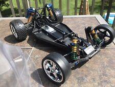 Team Associated RC10 B2 buggy