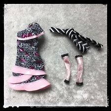 MONSTER HIGH ROCHELLE GOYLE GHOULS NIGHT OUT DRESS SLEEVES SCARF NEW