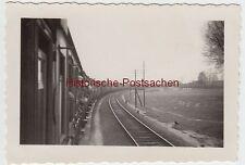 (F3010) Orig. Foto Fahrt z. Schießplatz Deep (Mrzezyno), fahrender Zug 1937