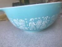 Vintage Pyrex Amish Butterprint 442 Turquoise 11/2 Qt Mixing Bowl Good