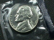 UNITED STATES  5 Cents 1981 - P  UNCIRCULATED  $ 2.99 maximum shipping in USA