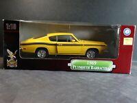 Road Signature 1969 Plymouth Cuda Barracuda 1:18 Scale Diecast Model Car Yellow