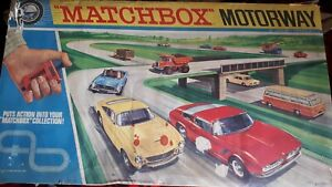 Matchbox Motorised M2 Motorway - 14' over over and under layout