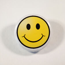 "RETRO EMOJI SMILEY FACE Badge/Button GIFT with METAL PIN (Size is 1""/25mm)"
