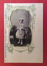 CPA. Publicité Magasins AU PETIT PARIS. LYON 69. Art Nouveau. Gentille Soubrette