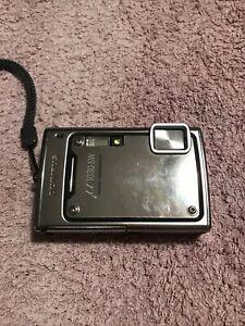 Olympus Waterproof Digital Camera Silver Metal u1030SW With XD Cards