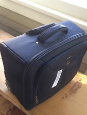 "TRAVELPRO WALKABOUT LUGGAGE 16"" BLACK ROLLING CARRY ON BOARDING TOTE"
