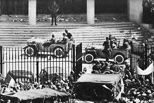 Guerre d'Algérie - les Paras au gouvernement général à Alger le 13 mai 1958