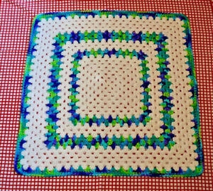 """Crocheted Blanket Lap Throw Excellent Condition Blue Green White 27""""x26.5"""""""