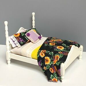 1:12 DOLLHOUSE MINIATURE FURNITURE WOODEN BED WITH HANDMADE BEDDING