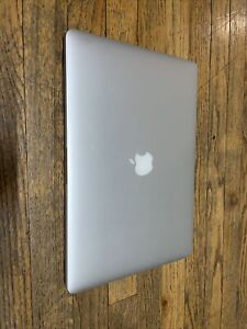 """Apple MacBook Pro 15"""" 2.2 GHz i7 512GB SSD 16GB RAM Mid 2015"""