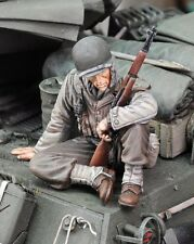 Royal Model 1/35 US Infantry at Rest with Rifle WWII No.1 [Resin Figure kit] 659