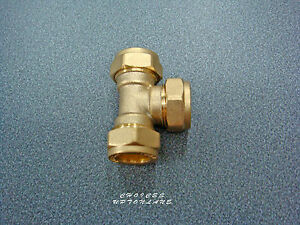 BRASS COMPRESSION PLUMBING FITTING EQUAL TEE SIZE(S) 15MM / 22MM