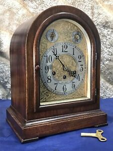 VINTAGE ANTIQUE USA SETH THOMAS STRIKE  BRACKET CLOCK,WITH WALNUT CASE