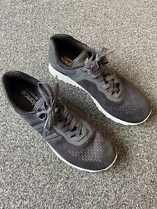 New Balance 574 Trainers Size UK 8
