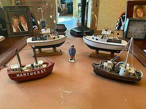 Vintage Wooden Model Boat's & Captain Fleet, very Good Cond. (5) piece  Lot)