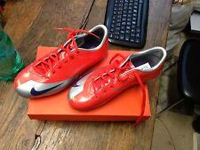 Chaussure de foot enfants Nike Taille 37,5 neuve