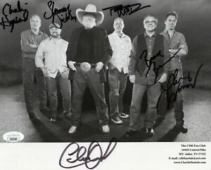 CHARLIE DANIELS HAND SIGNED 8x10 PHOTO    SIGNED BY WHOLE BAND      RARE     JSA