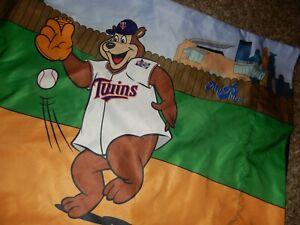 LN MY PILLOW Minnesota MN TWINS Baseball TC Bear Pillow Case