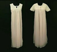 Pink 1960s Penoir Set Vintage Nightgown Dressing Gown Robe Embroidered Eyelet